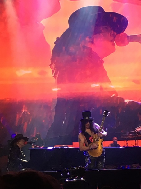 Guns n' Roses in Concert in Cleveland